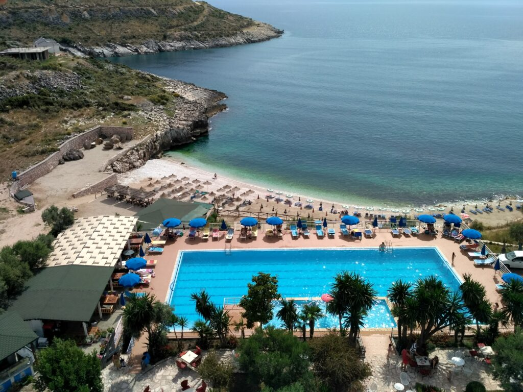 albánia-hotel-bahamas