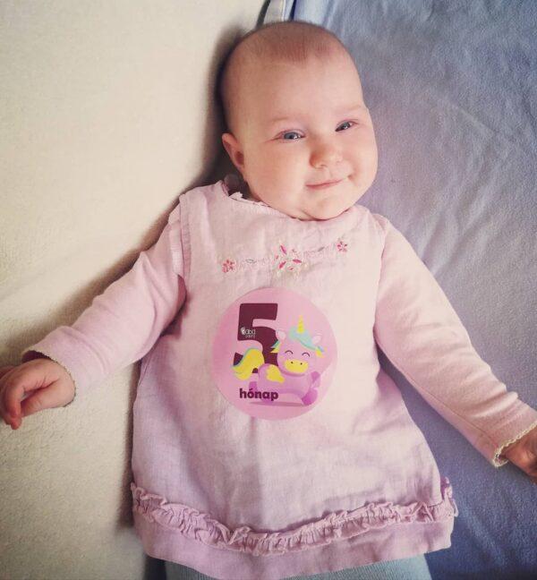 hónapforduló matrica baba