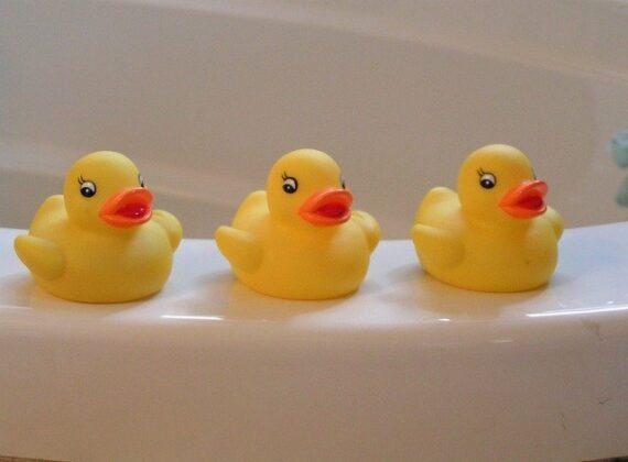 penészes műanyag fürdőjáték tisztítása